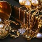 How To Clean Vintage & Antique Jewelery At Home to Get New Shiny Looks?
