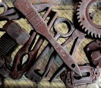 rusty hand tools cleaning